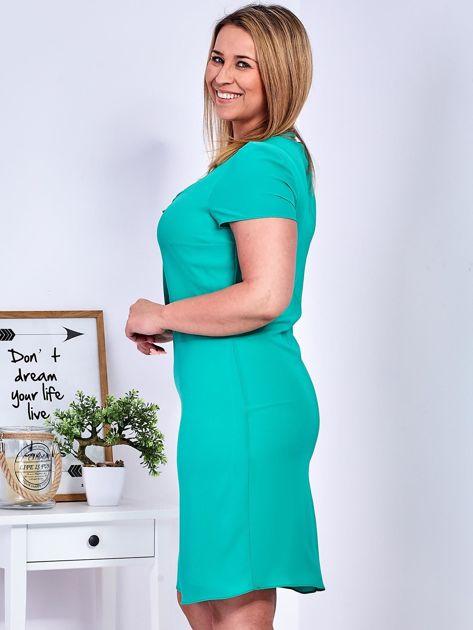 Zielona sukienka z ozdobnym wiązaniem PLUS SIZE                              zdj.                              2