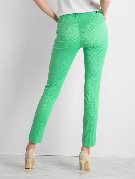 Zielone spodnie damskie o prostym kroju                              zdj.                              2
