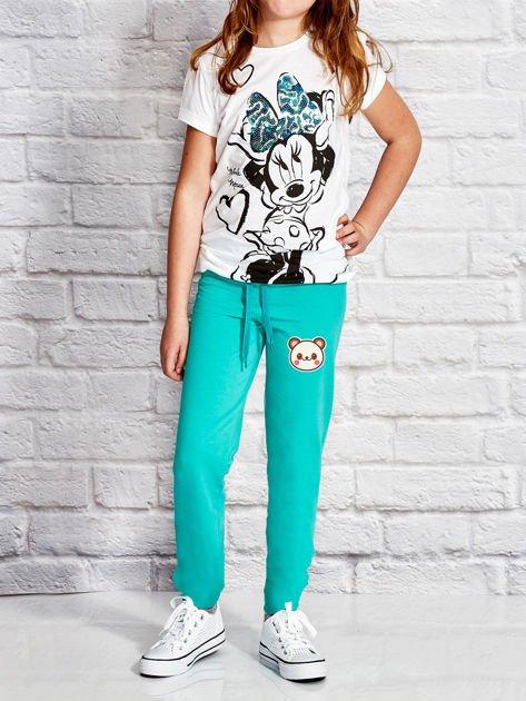 Zielone spodnie dresowe dla dziewczynki z pandą                              zdj.                              4