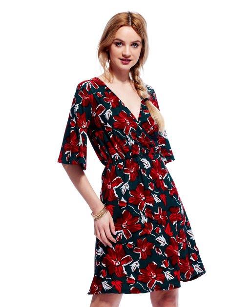 Zielono-czerwona sukienka w kwiaty z kopertowym dekoltem                                  zdj.                                  1