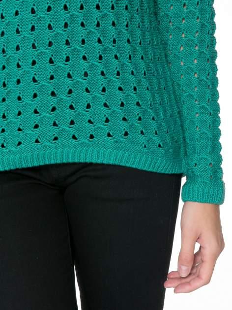 Zielony dziergany sweter z ozdobnymi oczkami                                  zdj.                                  6