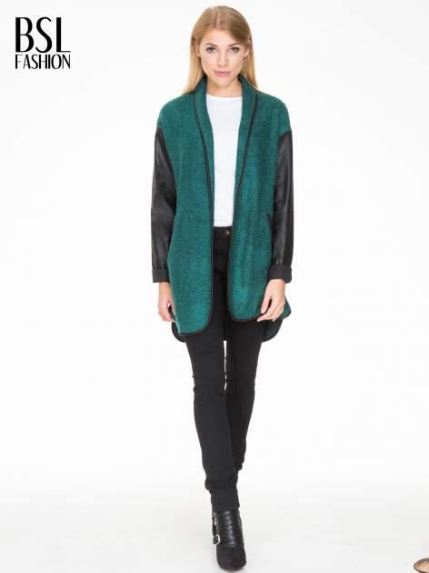 Zielony otwarty płaszcz ze skórzanymi rękawami                                  zdj.                                  2
