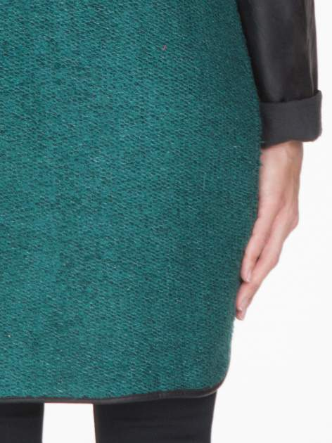 Zielony otwarty płaszcz ze skórzanymi rękawami                                  zdj.                                  8