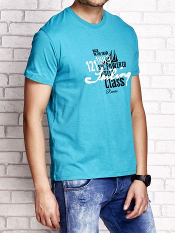 Zielony t-shirt męski z marynarskim motywem i napisem SAILING                                  zdj.                                  3