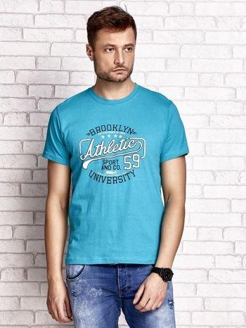 Zielony t-shirt męski z napisem BROOKLYN ATHLETIC UNIVERSITY                                  zdj.                                  1