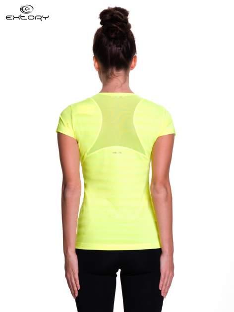 Zielony t-shirt sportowy w paseczki                                  zdj.                                  4