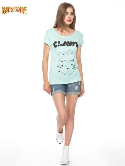 Zielony t-shirt z nadrukiem kota i myszy                                  zdj.                                  2