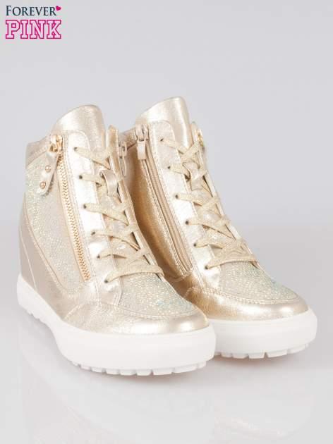 Złote sneakersy damskie z kryształkami                                  zdj.                                  2