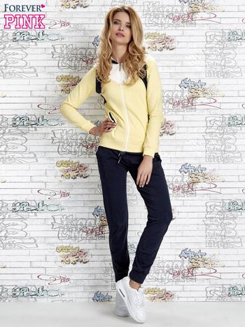 Żółta bluza z granatowymi wstawkami                                  zdj.                                  2