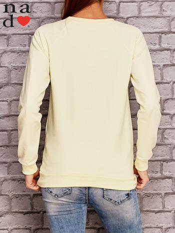 Żółta bluza z ornamentowym nadrukiem                                  zdj.                                  4