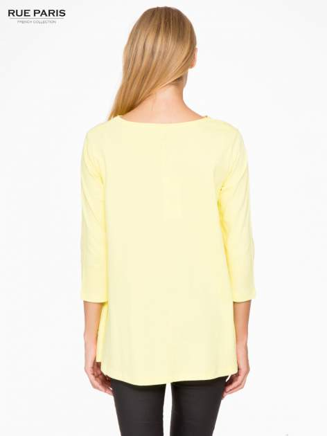 Żółta bluzka o rozkloszowanym kroju z rękawem 3/4                                  zdj.                                  4