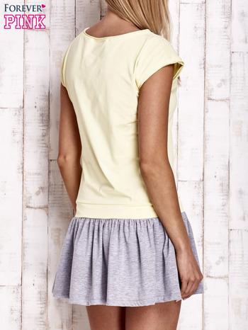 Żółta dresowa sukienka tenisowa z kieszonką                                  zdj.                                  2