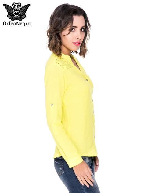 Żółta koszula z ażurowaniem na górze i kieszonką                                  zdj.                                  3
