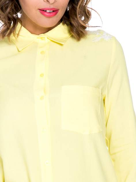 Żółta koszula z haftem na ramionach i plecach                                  zdj.                                  5