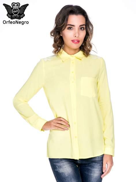 Żółta koszula z haftem na ramionach i plecach