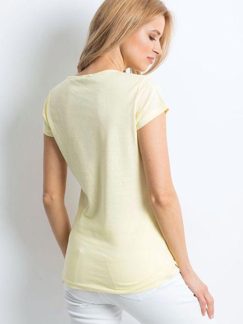 Żółta koszulka damska z nadrukiem                              zdj.                              2