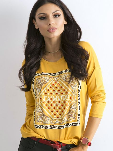 Żółta luźna bluzka z nadrukiem i aplikacją                              zdj.                              1