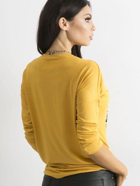 Żółta luźna bluzka z nadrukiem i aplikacją                              zdj.                              2