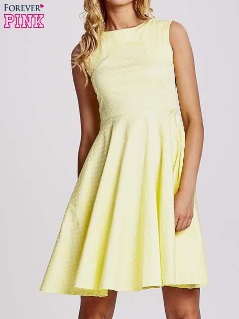 Żółta rozkloszowana sukienka w groszki                                  zdj.                                  1