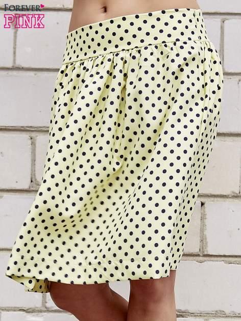 Żółta spódnica w grochy z plisami