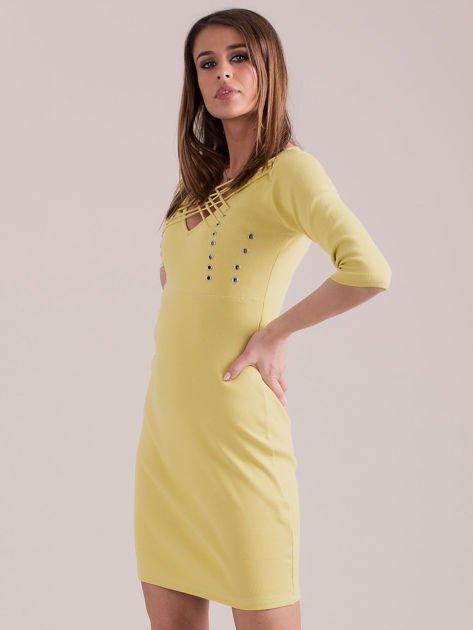 Żółta sznurowana sukienka w prążek                              zdj.                              3