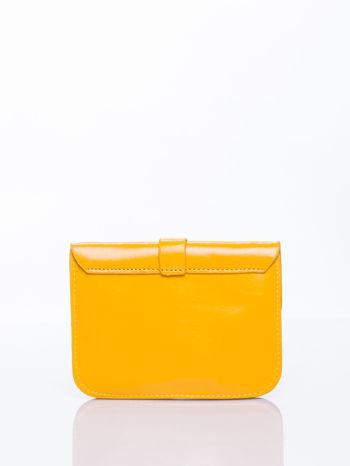 Żółta torebka listonoszka z klapką                                  zdj.                                  2