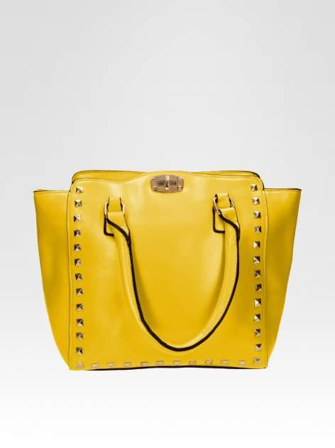 Żółta torebka na ramię z dżetami                                  zdj.                                  1