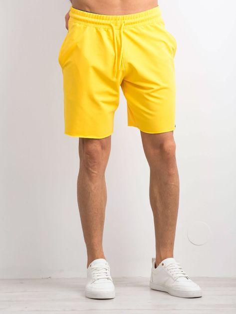 Żółte spodenki męskie                              zdj.                              1
