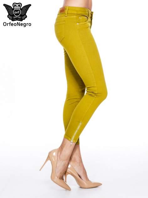 Żółtobrązowe spodnie typu skinny z elastycznego materiału                                  zdj.                                  3