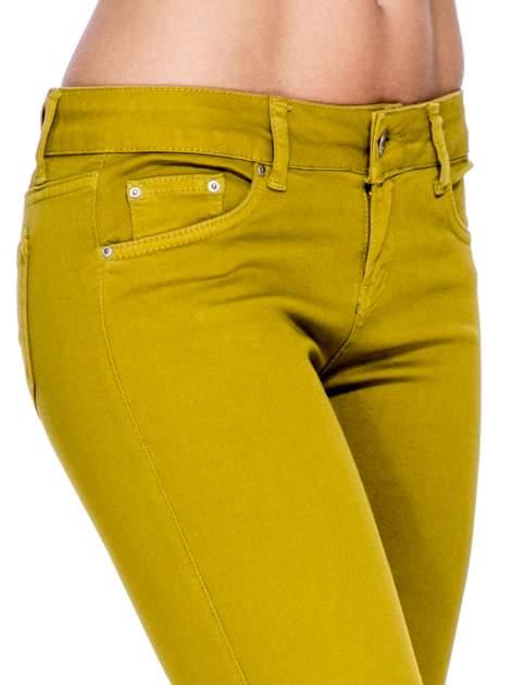 Żółtobrązowe spodnie typu skinny z elastycznego materiału                                  zdj.                                  6