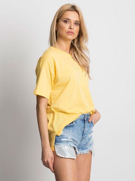 Żółty t-shirt o luźnym kroju                              zdj.                              3