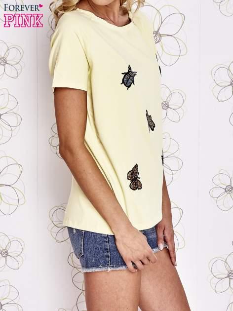 Żółty t-shirt z aplikacją owadów                                   zdj.                                  3