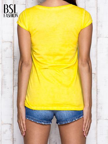 Żółty t-shirt z cekinową cyfrą 8                                  zdj.                                  2
