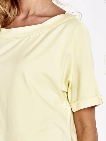 Żółty t-shirt z dekoltem w łódkę                                  zdj.                                  5