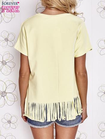 Żółty t-shirt z nadrukiem i frędzlami                                  zdj.                                  2