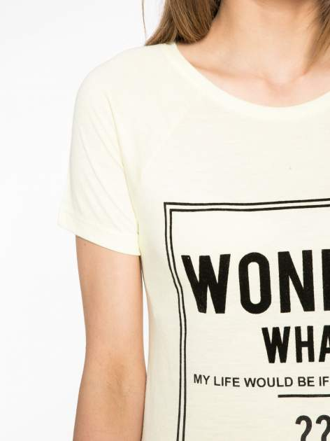 Żółty t-shirt z napisem WONDER WHAT?                                  zdj.                                  5