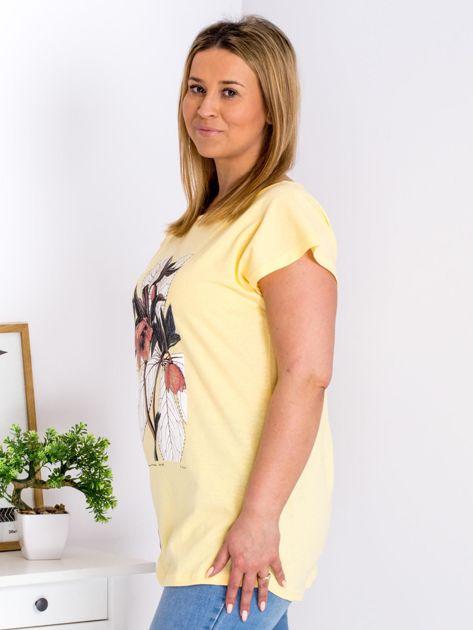 Żółty t-shirt z roślinnym motywem PLUS SIZE                              zdj.                              5