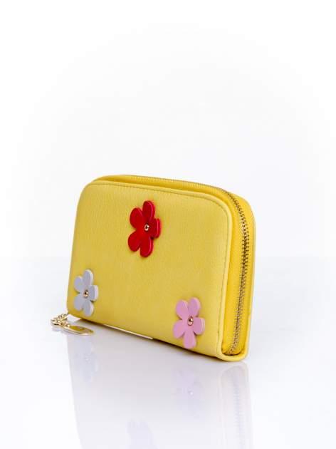 Żółty zasuwany portfel w kwiatki                                  zdj.                                  3