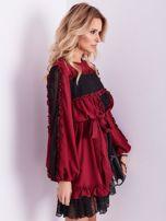 BY O LA LA Bordowa sukienka z koronką i falbankami                                  zdj.                                  8