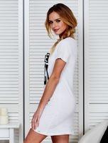 Bawełniana biała sukienka z nadrukiem                                  zdj.                                  5
