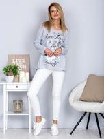 Bawełniana bluzka z nadrukiem kwiatów jasnoszara                                  zdj.                                  4