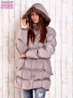 Beżowa pikowana kurtka z futrzanym wykończeniem kaptura                                  zdj.                                  6