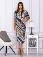 Beżowa wzorzysta sukienka z dekoltem woda                                  zdj.                                  4