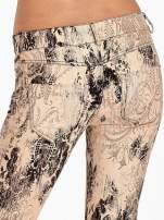 Beżowe spodnie skinny w kwiaty                                  zdj.                                  6