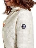 Beżowy krótki sweter narzutka z kołnierzem                                  zdj.                                  9