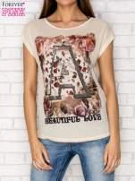 Beżowy siateczkowy t-shirt z literą A z dżetami