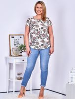 Beżowy t-shirt w roślinne desenie PLUS SIZE                                  zdj.                                  4