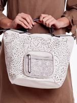 Biała ażurowa torba z plecioną kieszonką                                  zdj.                                  2