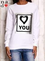 Biała bluza z błyszczącym nadrukiem                                  zdj.                                  2