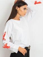 Biała bluza z kokardami na rękawach                                  zdj.                                  1